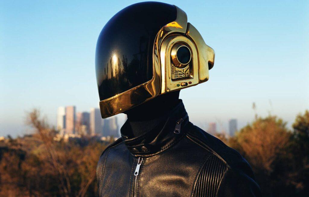 "Alt=""Daft Punk Solo Gold Helmet"""