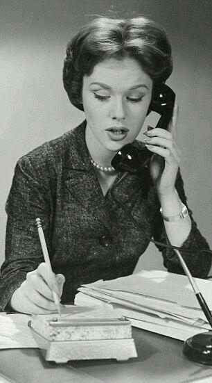 "Alt=""50's woman on the phone"""
